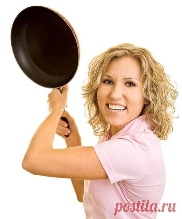 Картинки женщина со сковородой