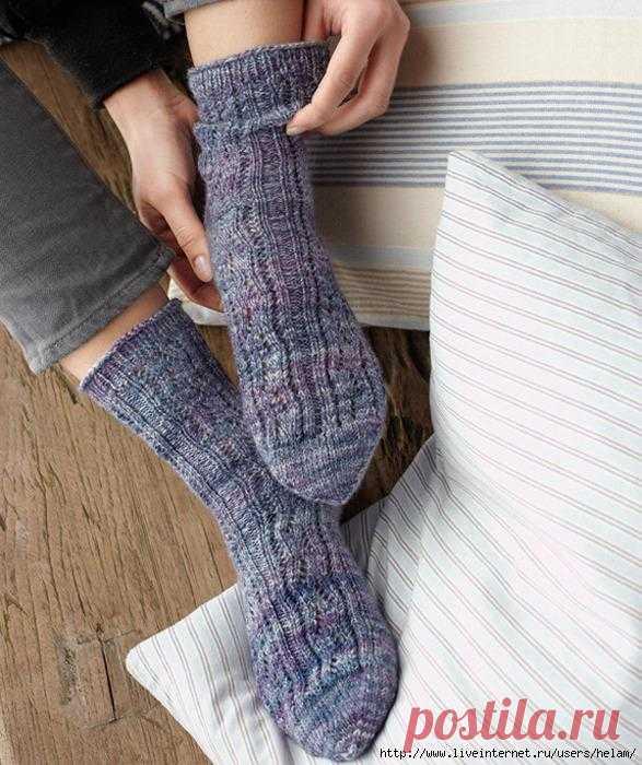 Носки спицами из Regia.