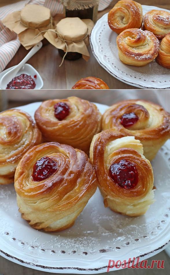 Постни круфини с мед и малиново сладко