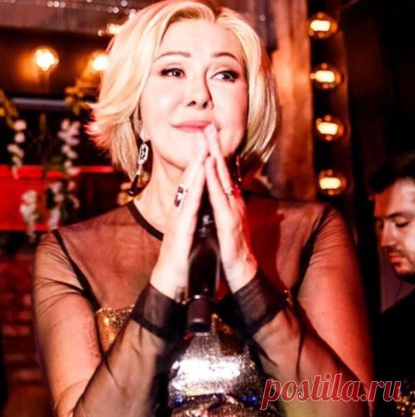 Любовь Успенская Инстаграм: внешний вид 64-летней певицы наконец понравился  ее поклонникам