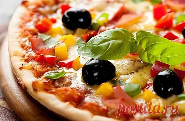 Бармены лучших пиццерий Италии издали манифест идеальной пиццы - /  В Италии издали манифест идеальной пиццы. Над его созданием трудились бармены 80 лучших пиццерий страны. Специалисты считают, что изделие должно быть весом менее 450 граммов и содержать только местные продукты