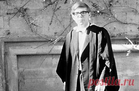 Знаменитый ученый умер в окружении своих близких спустя 55 лет после того, как ему диагностировали БАС и дали два года жизни