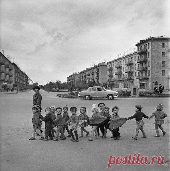 Как прекрасны эти очаровательные советские малыши на старом фото )