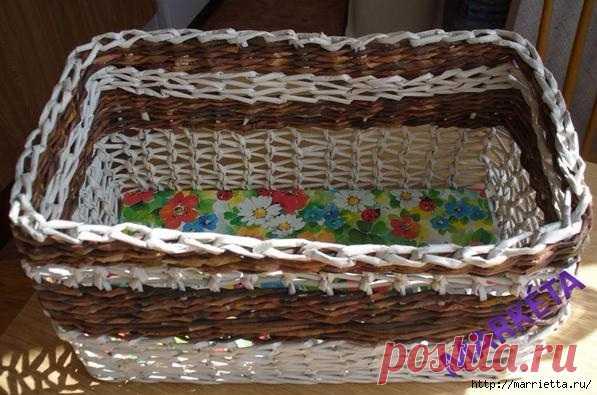 Интересный вид плетения корзинки из газетных трубочек