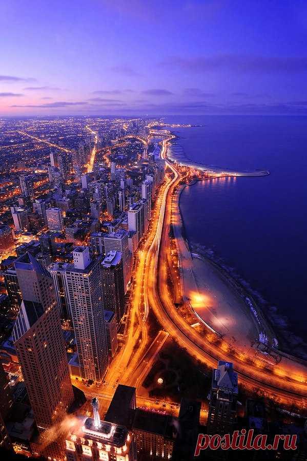 La belleza de Chicago de la altura del vuelo de pájaros. Los EEUU