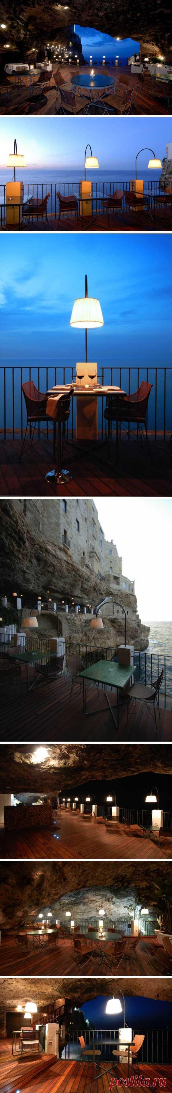 Ресторан в пещере с видом на море! Полиньяно-а-Маре, Италия