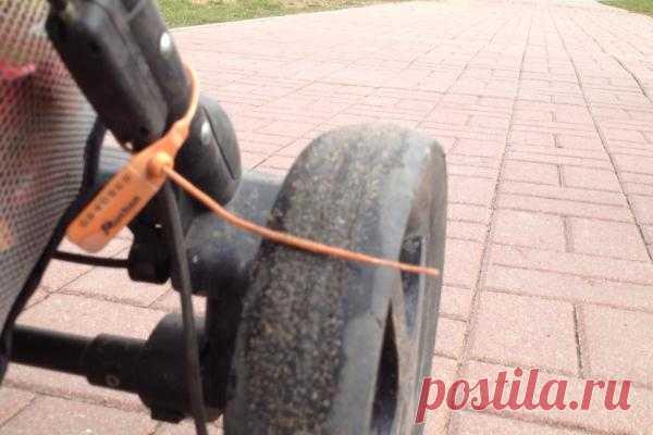 Хомутик для очистки колес от грязи