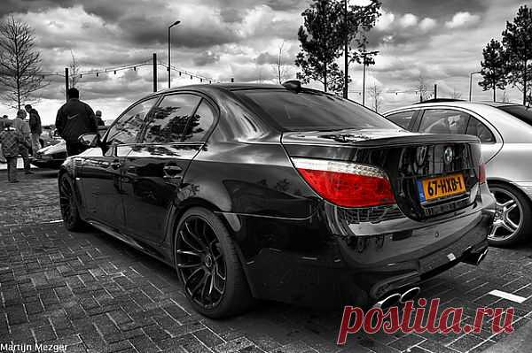 BMW M5 E60.