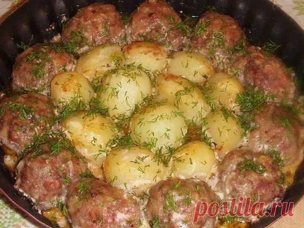 Котлеты с картошкой под соусом | Кушать подано! | Яндекс Дзен