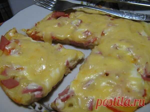 Пицца на сковороде за 15 минут.