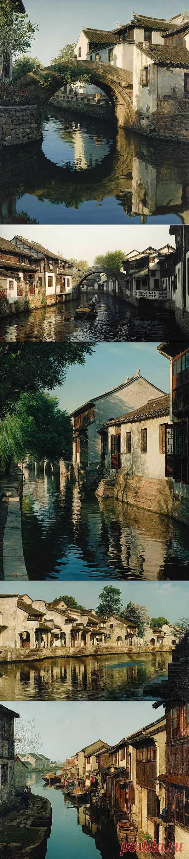 Venice of the East - To Zhouzhuang (Zhouzhuang). Artist of Wang Yihua.