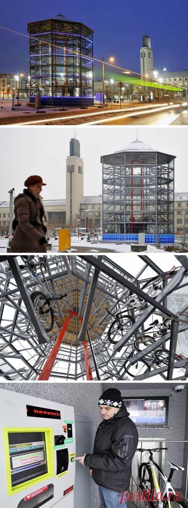 Футуристическая парковка для велосипедов. Градец-Кралове, Чехия