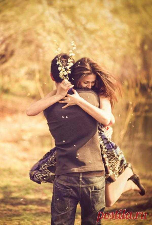 Любовь - это то, что ты делаешь, а не то, что ты чувствуешь.
