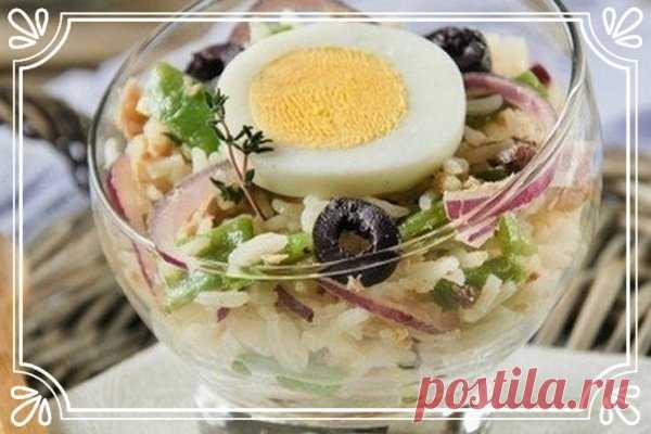 Рисовый салат с тунцом и стручковой фасолью   Ингредиенты:  Рис басмати 200 г.  Тунец в масле 200 г.  Показать полностью…