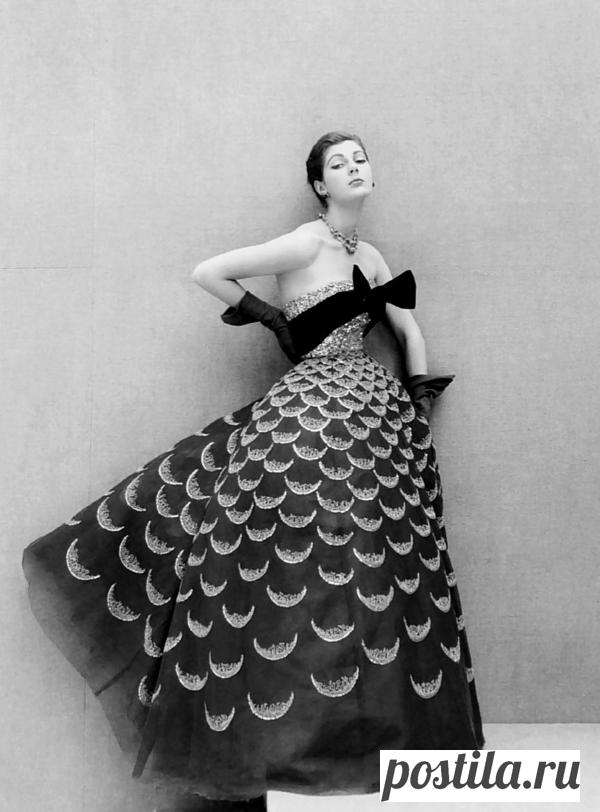 Кто придумал платье под названием «рыбья чешуя»?