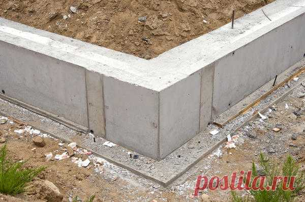 Какой фундамент выбрать?  У дачнков часто возникают вопросы о перекашивающихся домах, покрытых трещинами цоколях или стенах и схожих проблемах. Причины в конечном итоге сводятся к ошибкам при проектировании или при сооружении…