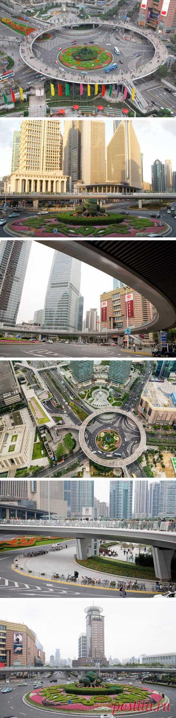 Круглый пешеходный мост в Шанхае, Китай