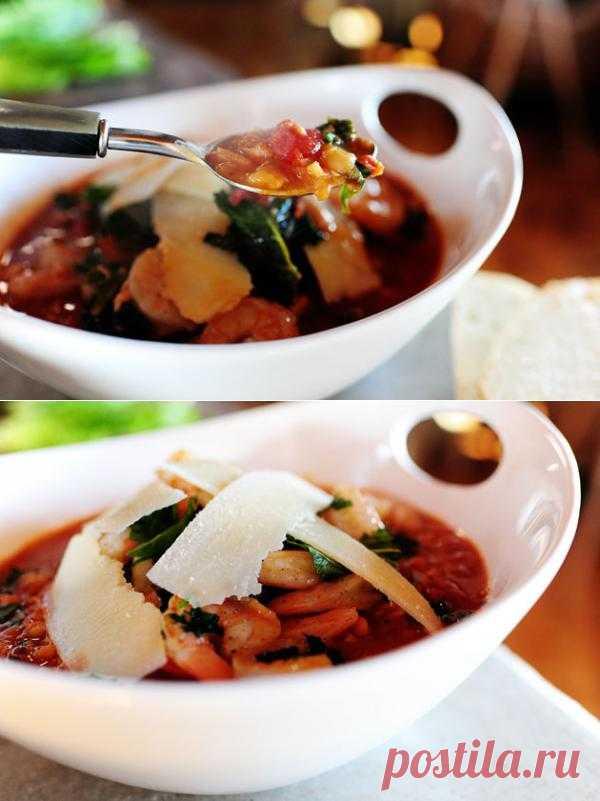 InVkus: Тосканский суп с фасолью и креветками  Очень вкусный и наваристый суп в тосканском стиле. Фасоль делает его густым, креветки добавляют пикантности, зелень привносит аромат, сыр - оригинальность. Идеальный вариант для семейного обеда в итальянском стиле, когда за столом собирается вся семья - шумная, говорливая, неуемная и такая любимая.