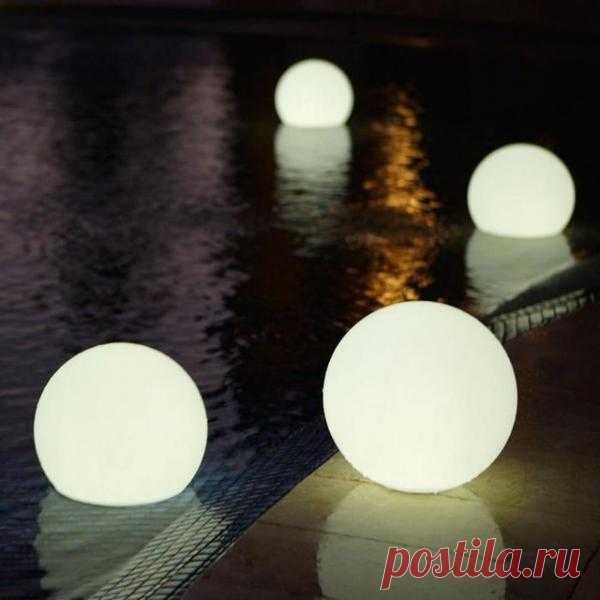 Светящиеся шары для бассейна, сада и дачи.