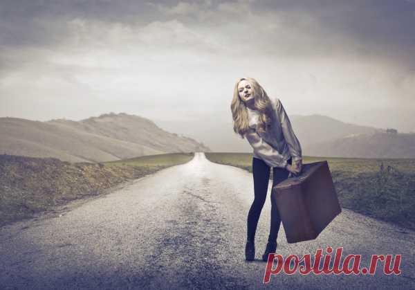 5 нездоровых привычек ношения сумок и рюкзаков, которые портят Ваше здоровье