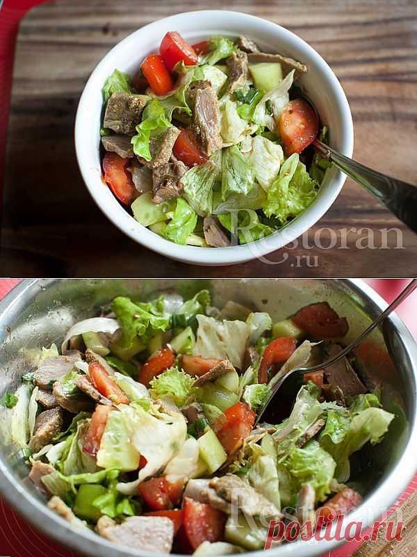 """Рецепт салата восточного.  Это хорошая выручалочка, когда осталось вареное мясо (или даже шашлык, как в моем случае) и нужно их """"освежить"""". Или просто чудесная идея салата с отварным мясом - ничего лишнего, очень диетичный."""