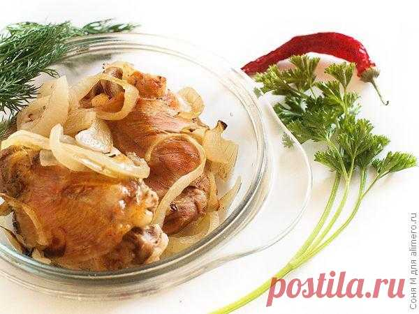 Gentle chicken thighs \/ Recipes with a photo
