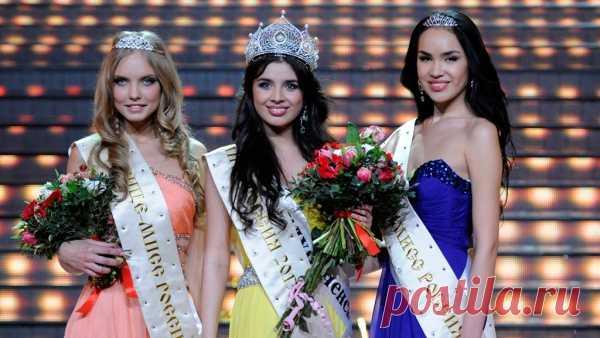 Las vencedoras de la competición Miss Rusia