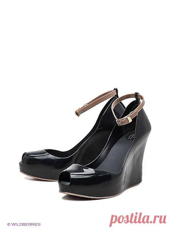 Женственного дизайна туфли на невысокой танкетке просто незаменимый повседневный летний выбор. (со скидкой - 30%)