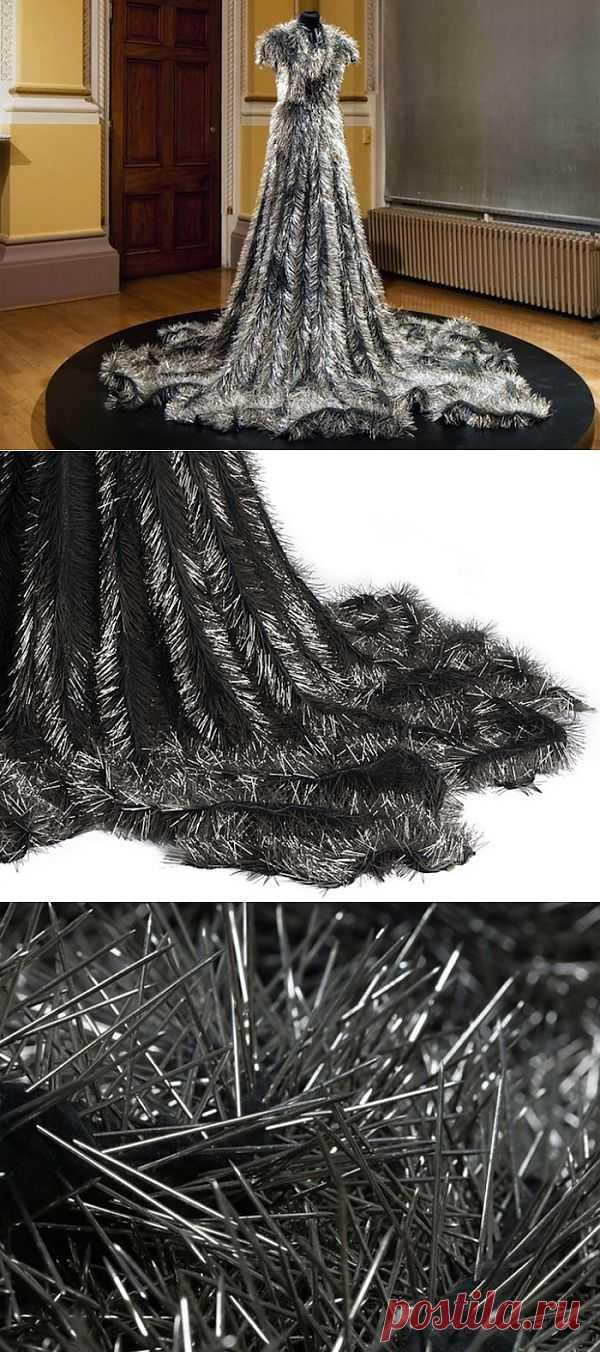 «Вдова»: траурное платье из булавок Susie MacMurray / Креатив / Модный сайт о стильной переделке одежды и интерьера