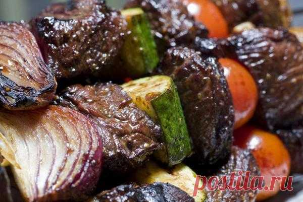 Шашлык из свинины - шашлык из курятины - овощной шашлык - рецепты шашлыков - шашлык из баранины-рецепты шашлыков | Food&Drinks | Lifestyle&Fashion | Корреспондент