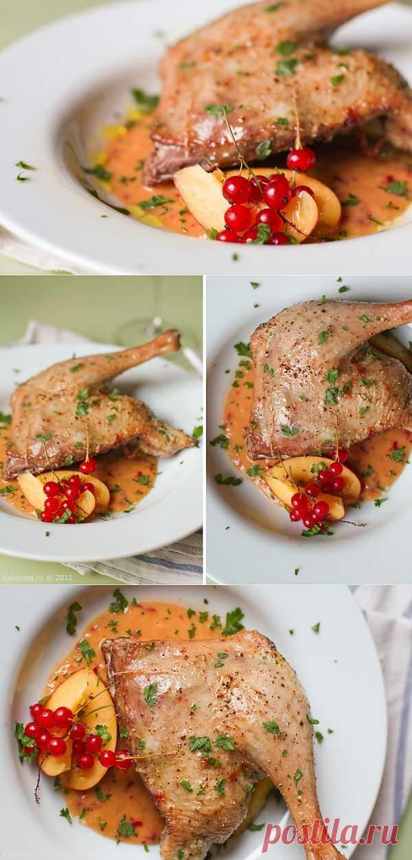 Утиная ножка с быстрым соусом из свежих персиков. Наконец-то вновь рецепт. Быстрый. Здесь — основной ингредиент даже не утка, а именно сам соус. Приправить им можно запеченную курицу, запеченную рыбу (морскую, белую).
