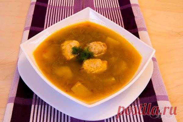 Soups: Home-made buckwheat quenelles soup