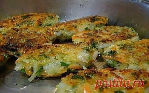 Блюдо настоящих гурманов: луковые котлеты с картофелем и зеленью