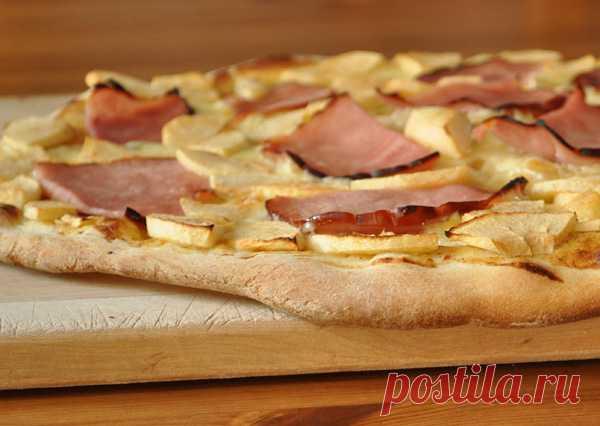 Пицца с яблоками. (Рецепт по клику на картинку).