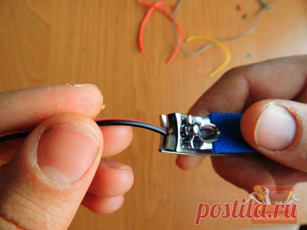 La adaptación simple para la limpieza de los cables