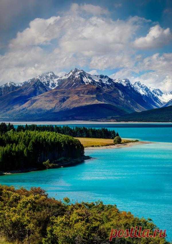 Озеро Текапо - главная жемчужина Новой Зеландии. Сокровищница природных достопримечательностей. Это настоящая мечта фотографа Текапо является популярным местом отдыха среди туристов. Новая Зеландия
