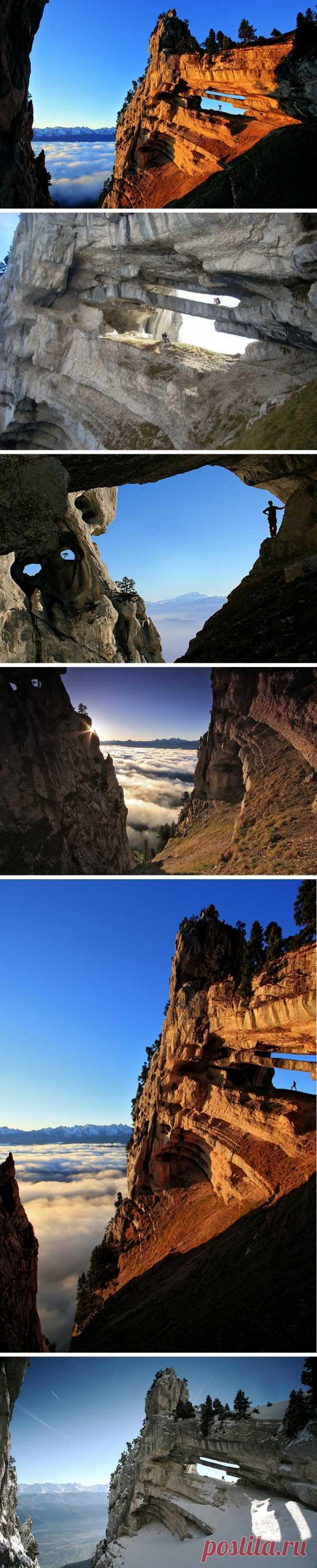 Как удивительна наша планета! Арка в скале, созданная природой! Шартрез, Франция