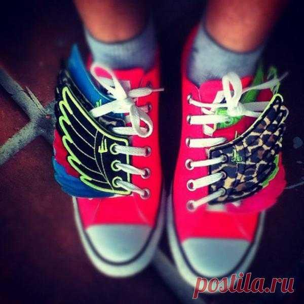 Крылышки на шнуровку - $15 USD
