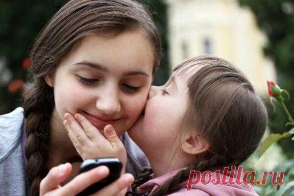 В каком возрасте покупать ребенку первый смартфон или телефон и стоит ли вообще это делать | Лайфхакер