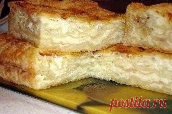 Самый простой домашний пирог с сыром из лаваша - Best-recipes.ru Вкусняшка на скорую руку! Предлагаем приготовить замечательный сырный пирог из лаваша. Для него понадобится минимум ингредиентов и сил. Ингредиенты: Лаваш — 200 гр Яйца — 3 шт Соль...