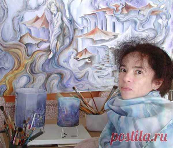 Интервью с Юлией Зисман. Как проходило детство будущей художницы Юлии Зисман, как она начала рисовать, как училась в академии искусств, почему переехала в Израиль, как протекает творческий процесс и чем она интересуется, помимо рисования, – об этом и многом другом вы узнаете из интервью с ней.