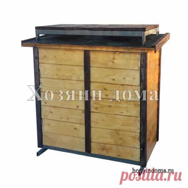Ящик для уличного хранения с подставкой для бочки. Крыша с обратным скатом для установки возле забора, хозблока или теплицы. Внутри две полки для хранения.