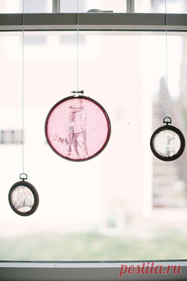 Украшение для окна  с любимыми фотографиями на пленке.