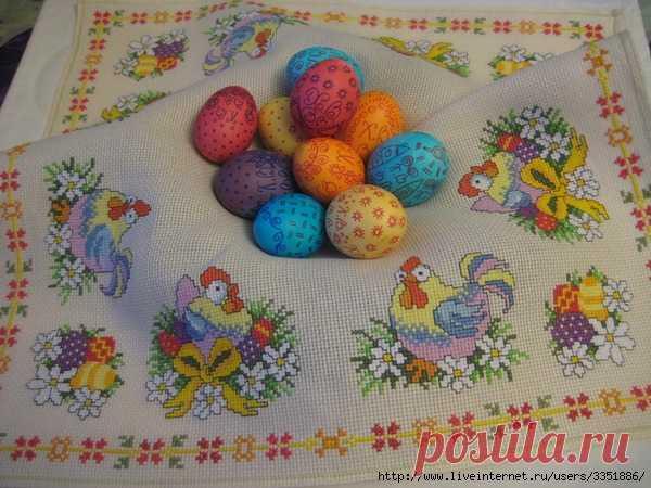 Пасхальная салфеточка от Мариши К. Вышивка крестиком.