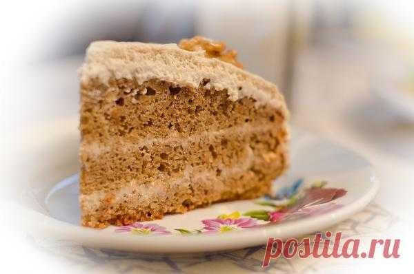 Австрийский кофейно-ореховый торт с кофейным кремом.