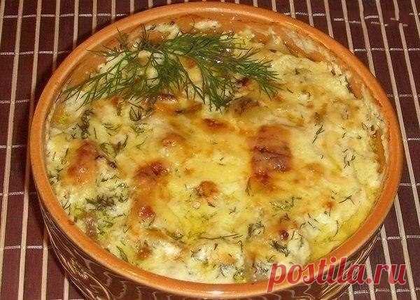 Как приготовить картошка с курицей и грибами под соусом в глиняных горшочках - рецепт, ингридиенты и фотографии