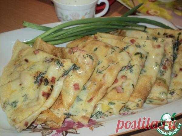 Кукурузные блины с припёком: колбасой, курицей и зелёным луком - кулинарный рецепт