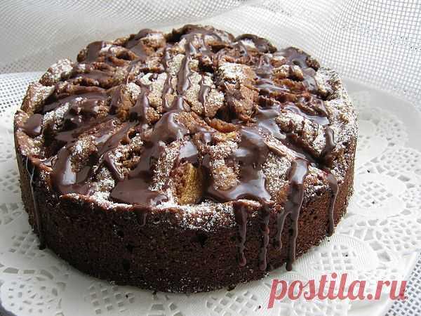 Шоколадно-грушевый бисквит.