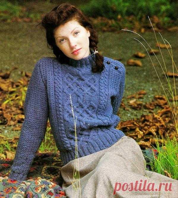 Женский синий пуловер с аранами | Шкатулочка для рукодельниц