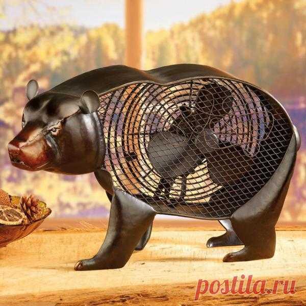 Мишка со встроенным вентилятором и не даст засохнуть от жары, и украсит интерьер комнаты. Вполне даже сойдёт за домашнего питомца:) $90 USD